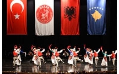 Zafer Halk Oyunları Derneği Folklor Gösterisi ( Dita e Kultures Shqiptare )